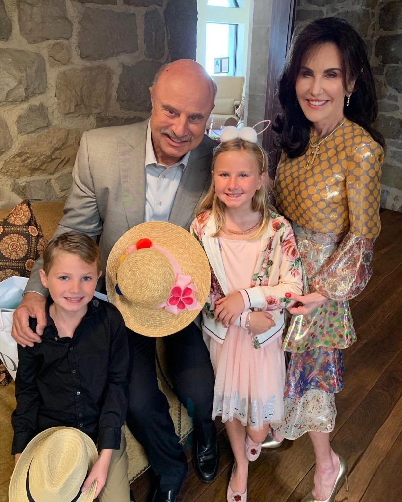 Dr Phil with his Wife Robin McGraw and Grandchildrens